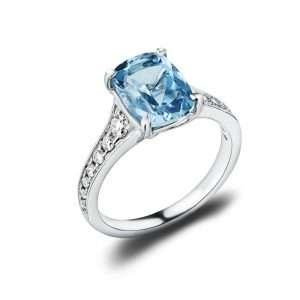 18ct Diamond and Aquamarine Ring