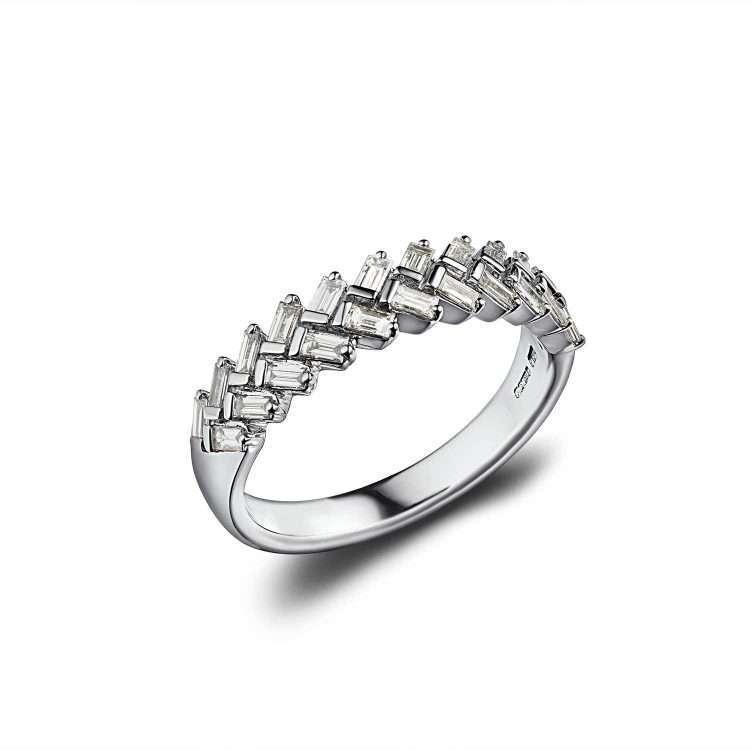 18ct Baguette Diamond Eternity Ring : 0151085
